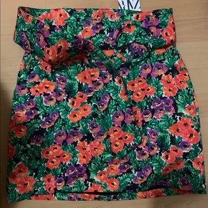 Zara floral skirt size M - BRAND NEW